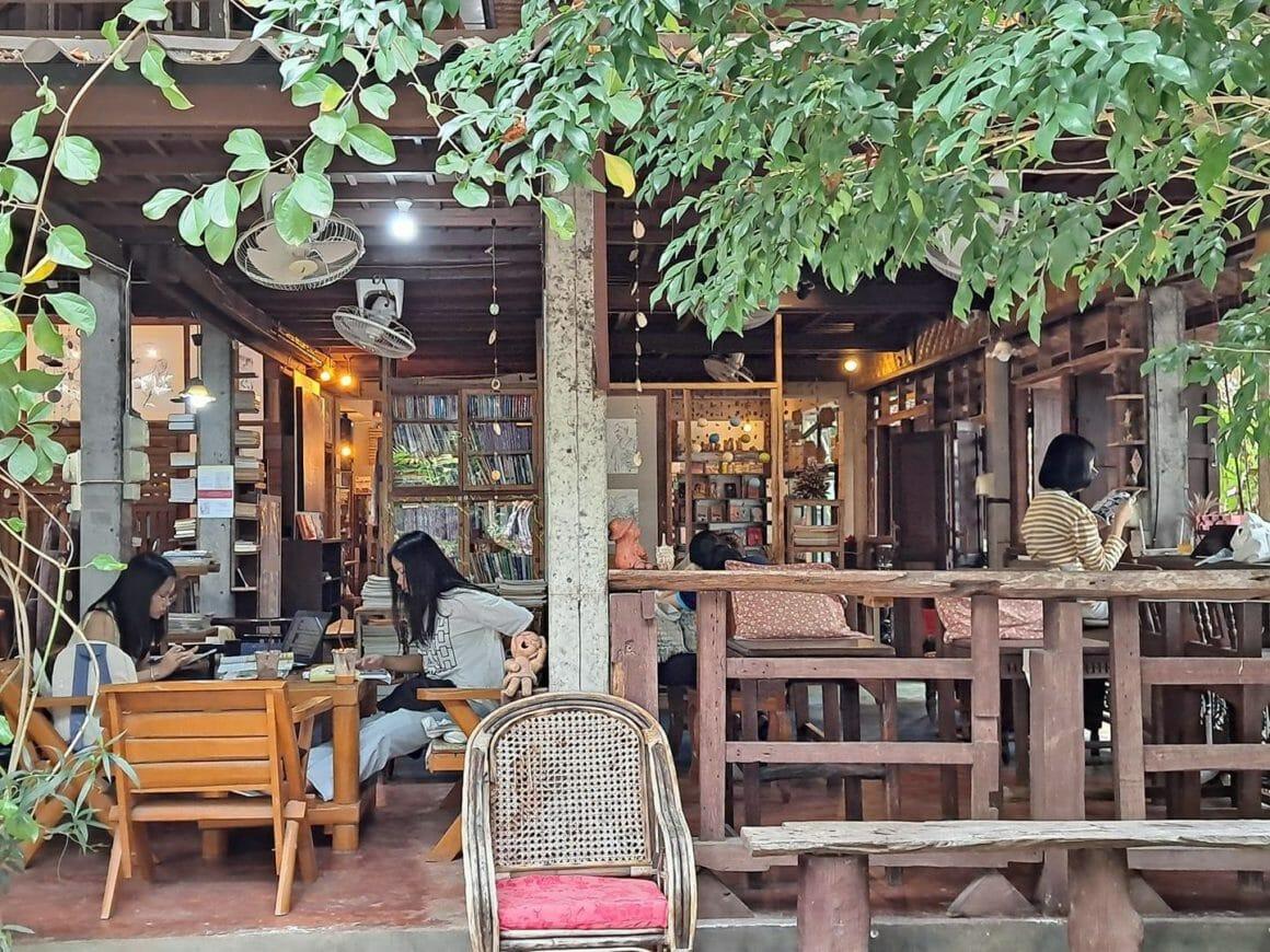 Banban Nannan library and guest home